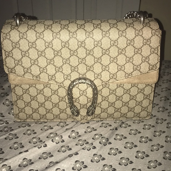 Gucci Handbags - Gucci Dionysus GG supreme medium